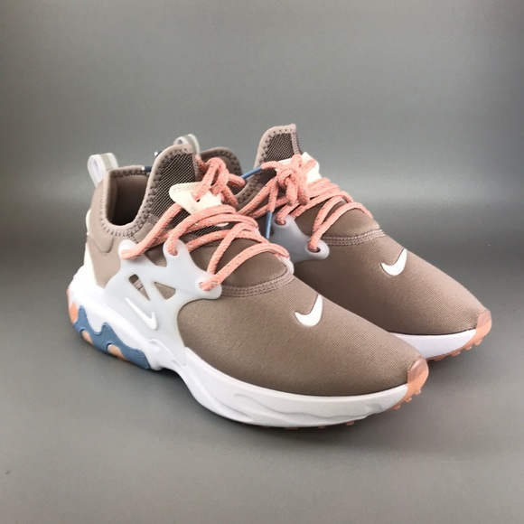 Nike Shoes - Nike Wmns React Presto 'Coral Stardust '